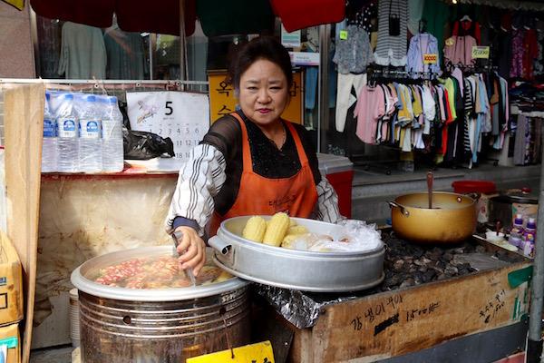 Puesto Comida Mercado Seomun