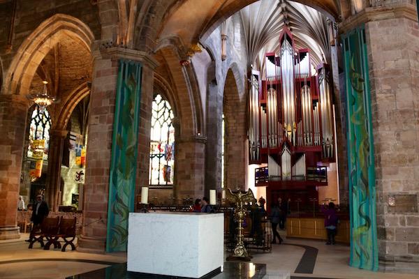 Interior catedral de St Giles.