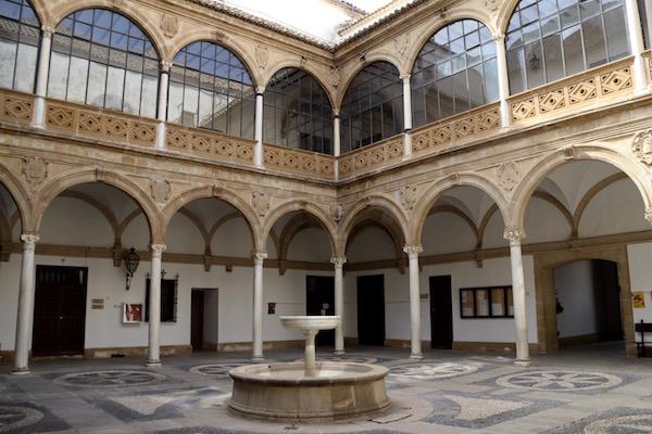 Patio Palacio Vázquez Molina