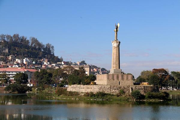 Monumento Ángel negro