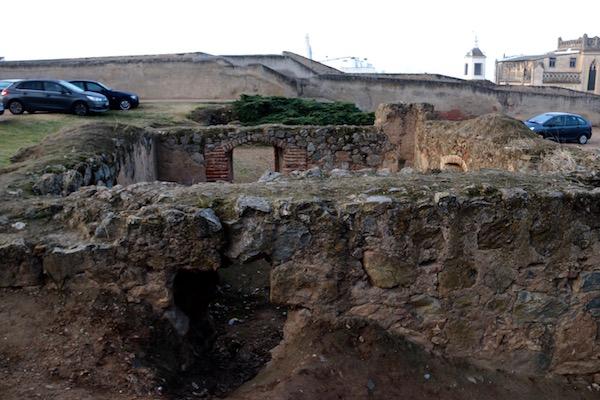 restos de la casa y torreón de Zapata