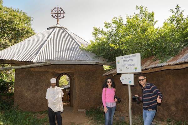 Camino monasterio de Ura Kidane Meret