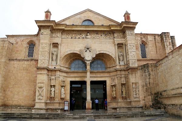 Fachada catedral y basílica de Santa María de la Encarnación