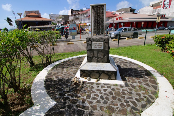 Monumento de las cien cadenas