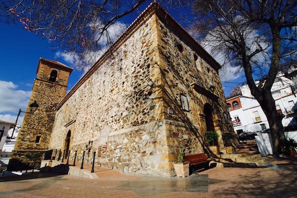Fachada Iglesia Bayarcal