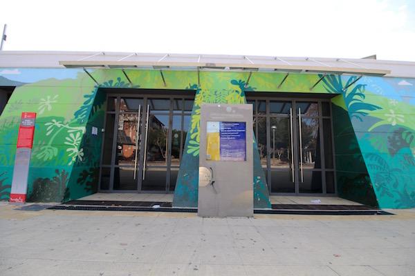 Fachada Museo de la Ciencia y el Agua