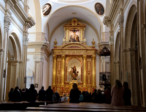 Interior Iglesia Santiago