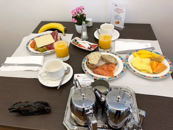 Desayuno hotel Simoncini.