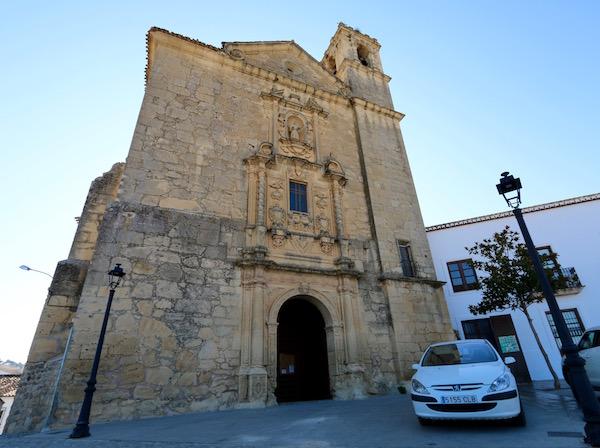 Fachada iglesia de San Antonio.