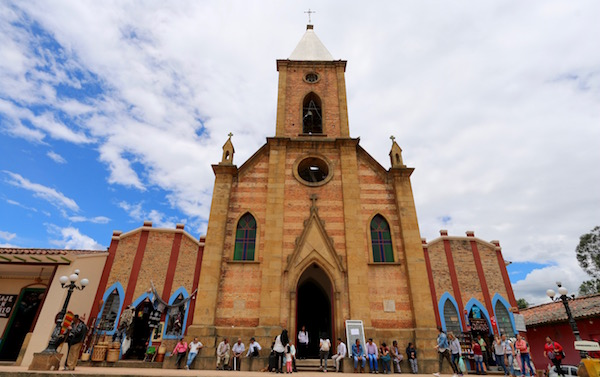 Iglesia de San Antonio Ráquira.