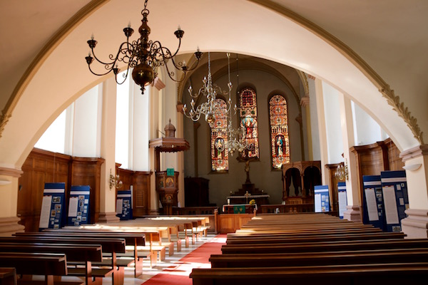 Interior Iglesia protestante de Dreifaltigkeitskirche.