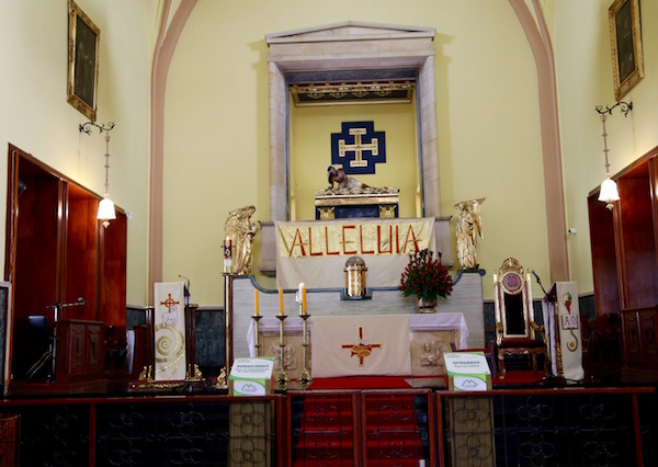 Interior Iglesia.