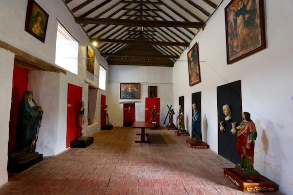 Salón de artes y usos.