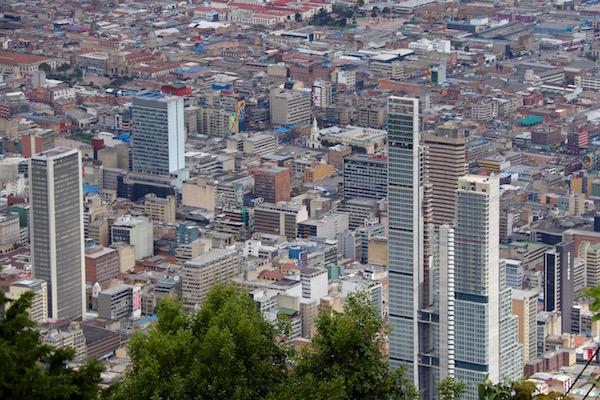 Vistas desde el cerro de Monserrate, Bogotá.