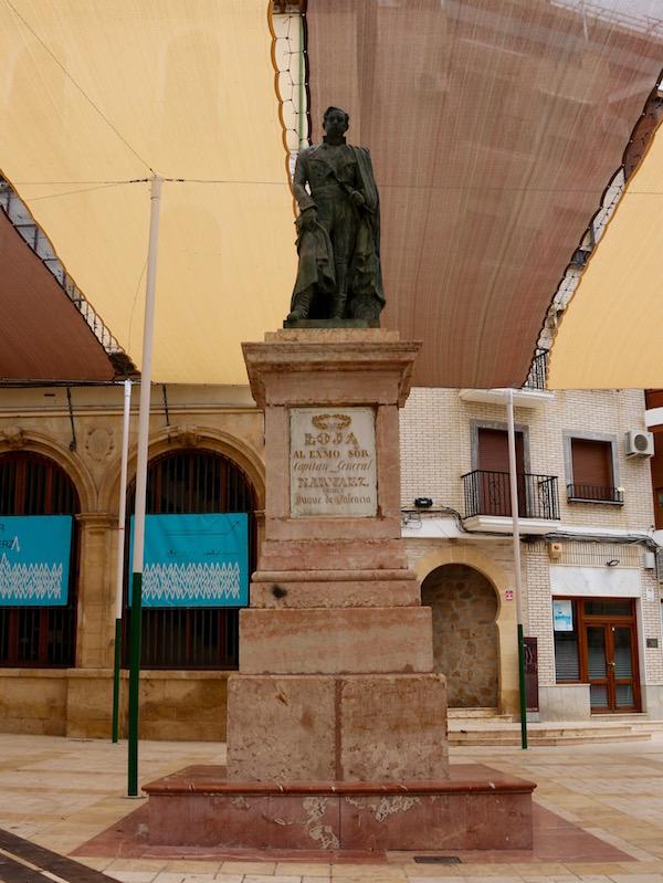 Estatua del General Narváez.
