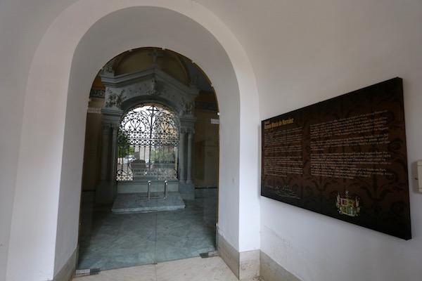 Mausoleo del General Narváez.