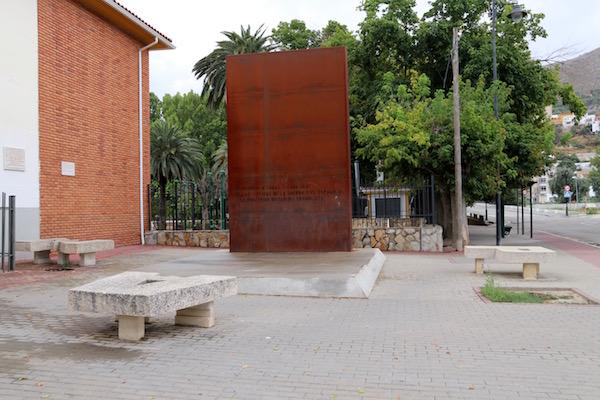 Monumento a las víctimas de la Guerra Civil.