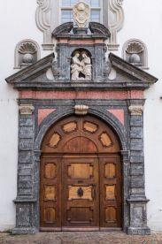 Kircheneingang in Chur (CH)