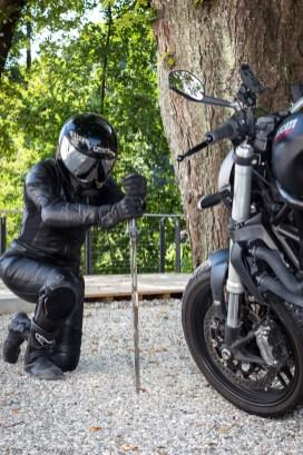 Ducati-Monster-Shooting-10