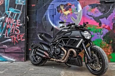 Ducati Diavel Fotoshooting Kunstpark Ost