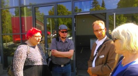 Michendorf  - Vor-Ort-Gespräch zur Errichtung einer Notunterkunft für Flüchtlinge