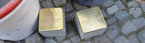 Verlegung von Stolpersteinen in Nauen
