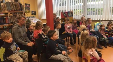 Bundesweiter Vorlesetag - Lesungen für drei KiTa-Gruppen im Bürgerhaus Hohenstücken