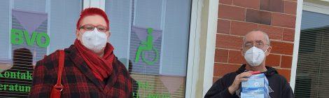 Solidarisch aus der Krise!  Übergabe von FFP2-Masken an den Behindertenverband Osthavelland