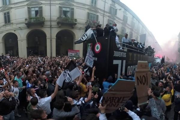 #MY7H 360: festa scudetto Juventus 2017-18 ripresa a 360°. Torino, Via Po, 19/05/2018 – VIDEO