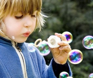 child-with-bubbles-660x560