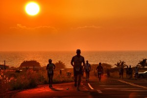Kona update, heat acclimation, female athletes are not men, and the dangers of taking NSAIDs during ironman