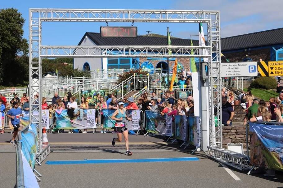 Andrea running Dingle marathon 2019