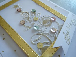 couture-creations-bauble-tree-embossing-nov16-8
