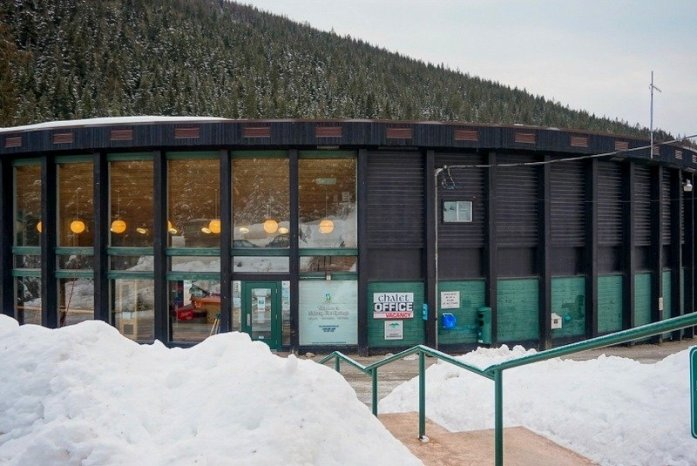 The Perfect Winter Getaway to Halcyon Hot Springs in British Columbia