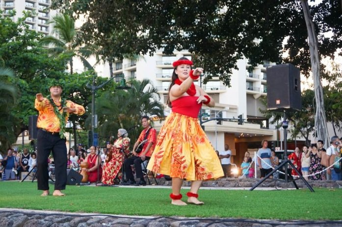 Kuhio Beach Torchlighting and Hula Show