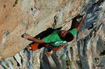 The coolest move of the route, super drop knee and really long move to the pocket - picture by Leonardo Comelli