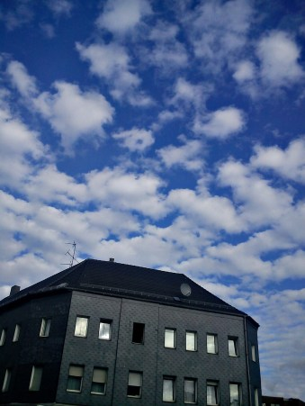EinSCHÖNer-HERBST-(tag)aufdem WEG in die NEUe WOHNUNG geht zu ENDE6