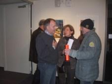 Andreas Mattern mit Ausstellungsbesucher