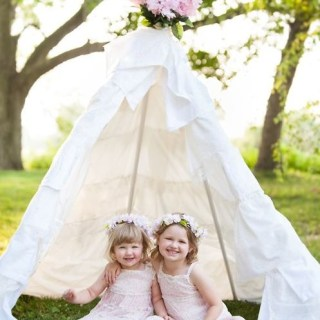 Gorgeous DIY teepee!