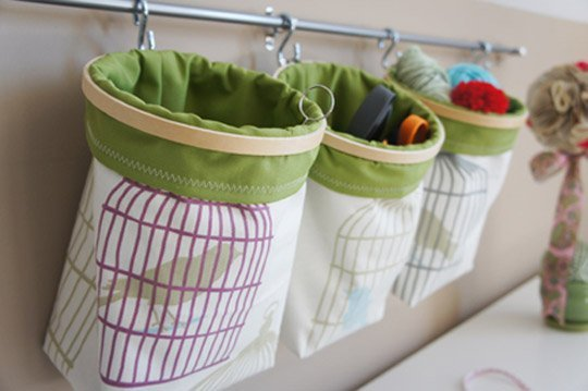Embroidery hoop storage bag tutorial - tons of great storage ideas here!