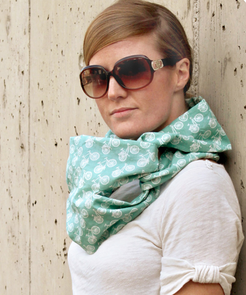 Commuter Cowl and other great DIY gifts to make