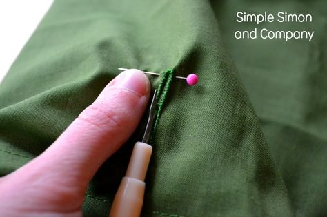 Buttonhole hack! & tons of other great sewing hacks!  --AndreasNotebook.com
