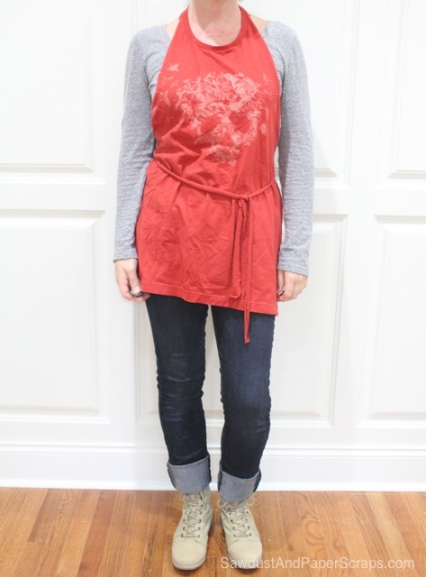 No-sew t-shirt apron tutorial