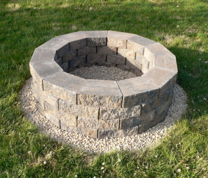 Outdoor Fire Pit Tutorial