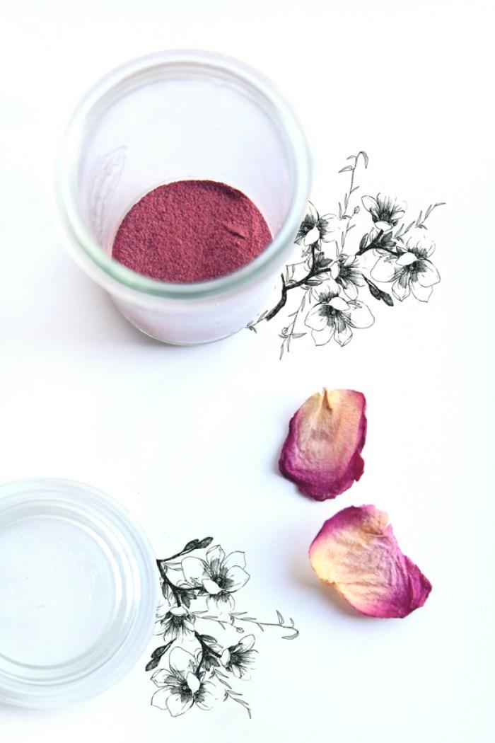 Homemade-beet-root-blush-2