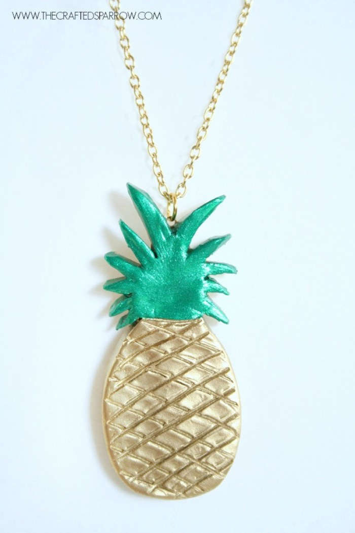 DIY-Clay-Pineapple-Necklace-7