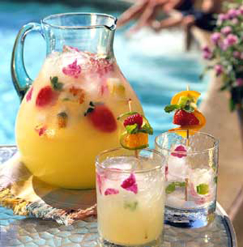 strawberry pineapple cooler recipe - summer drink recipes - andreasnotebook.com