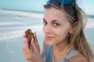 Andreea Ibacka lipstick fruit Zanzibar 02