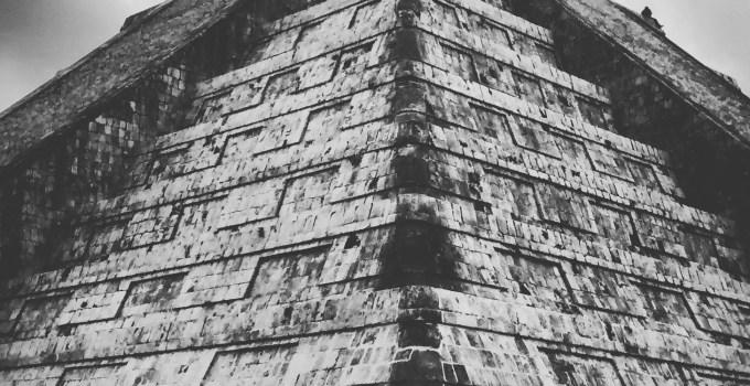 Chichen Itza pyramid Mexico Yucatan Peninsula