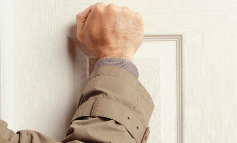 Photo of Cum să greșești ușa la miezul nopții și să scapi nebătut